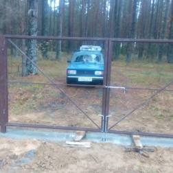 Ворота профлист в рамке и калитка (без заполнения профлистом)