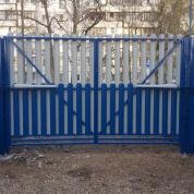 Ворота распашные каркас и калитка (заполнение мет.штакетник)